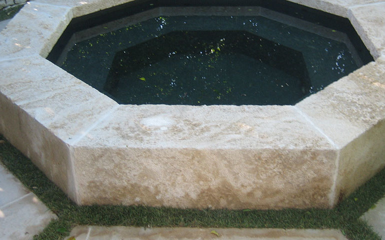 Fountain-w-grass-2